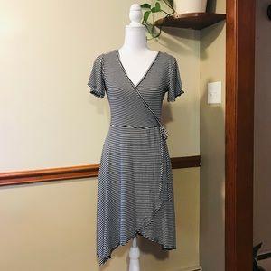💕🌵NWT Black & White Striped Hi-lo Wrap Dress
